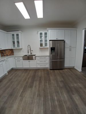 Kitchen cabinets low prices for Sale in Moreno Valley, CA