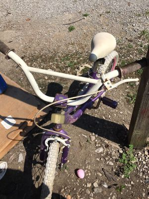 Girls princess bike for Sale in Fairview Heights, IL