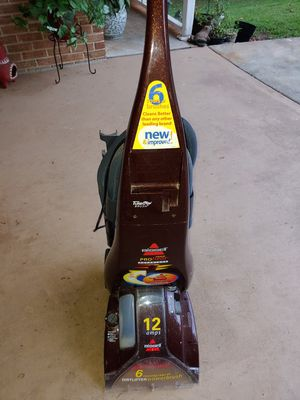 Bissell ProHeat 12amps Vaccumn for Sale in Lilburn, GA