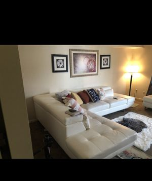 Beautiful couch for Sale in Columbus, OH