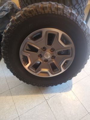 Jeep wheels for Sale in San Diego, CA