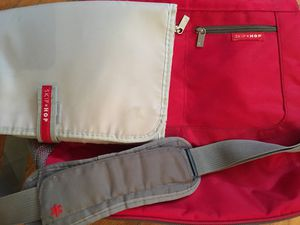 Skip hop diaper bag for Sale in Brooklyn, NY