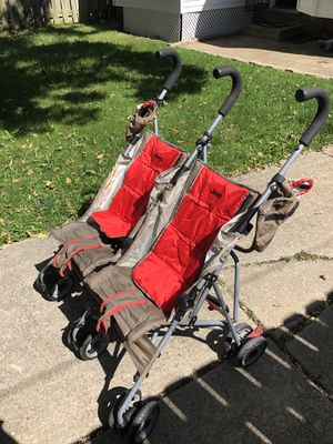 Jeep double stroller for Sale in Brooklyn, OH