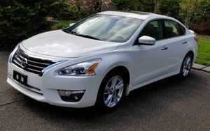 Amazing 2013 Nissan Altima FWDWheels Clean Title for Sale in Modesto, CA