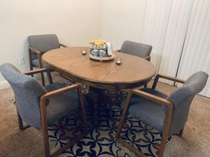 Confortable Dinning Table for Sale in Fresno, CA