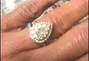Pear shaped halo wedding ring for Sale in Baton Rouge, LA