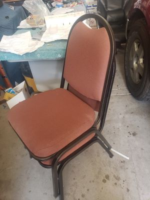 5 chairs and a table for Sale in Mesa, AZ