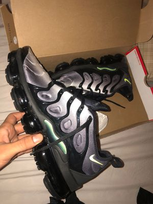 Vapor max size 9 brand new 150 for Sale in Montgomery Village, MD