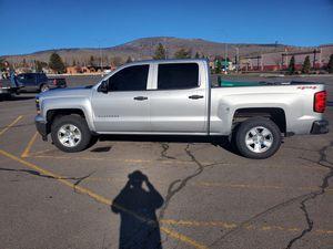 2014 Chevrolet Silverado 1500 4x4 crew cab for Sale in Medford, OR