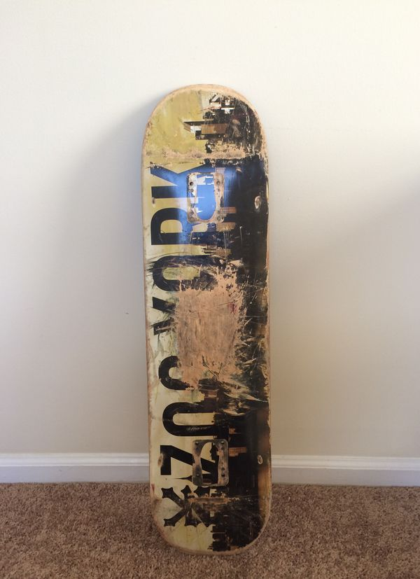 "Zoo York 7.75"" Skateboard"
