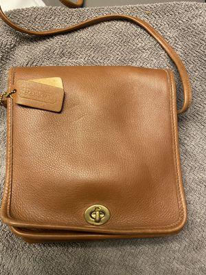 COACH tan/brown purse for Sale in Bedford Park, IL