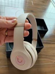 Rose gold beats solo 3 for Sale in Merced, CA