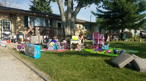 HUGE sale for Sale in Brunswick, OH