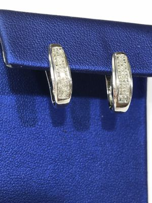 10K White Gold Woman's Diamond Hoop Earrings with approx 0.90cttw Diamonds $349.99 **Great Buy** for Sale in Tampa, FL