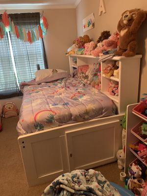 Twin bed for Sale in Cleburne, TX