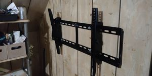 TV wall mount 30in-50in for Sale in Chicago, IL