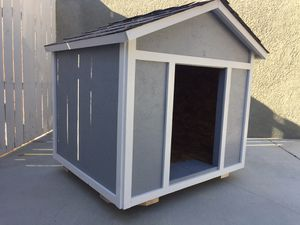 XL Dog House for Sale in Riverside, CA