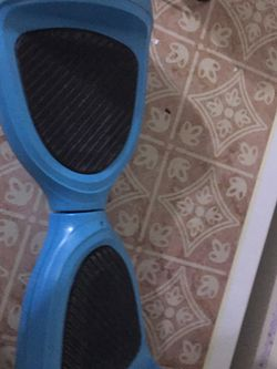 Hoverboard- NEEDS NEW BATTERY for Sale in Upper Marlboro,  MD