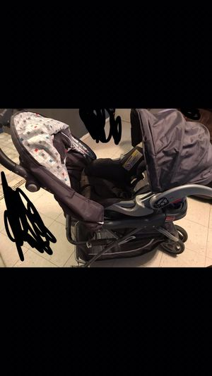 Baby Trend Stroller with Car seat and Base! for Sale in Laredo, TX
