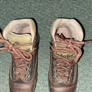 New Timberland Boots Sz 5 for Sale in Washington Township, NJ