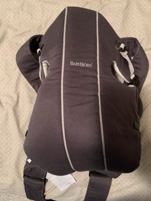 Baby bjorn infant carrier for Sale in Lakewood, WA