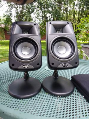 Klipsch Quintet lll Black bookshelf or add to make 6.1 or 7.1 system for Sale in Indianapolis, IN