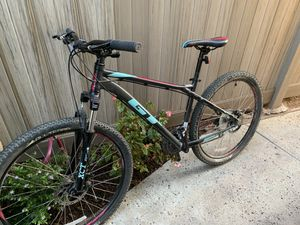 GT Laguna Aluminum Pro Mountain Bike Gunmetal Sz M for Sale in Fullerton, CA