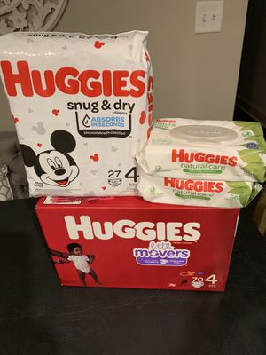 Size 4 diapers, wipes for Sale in Smyrna, GA