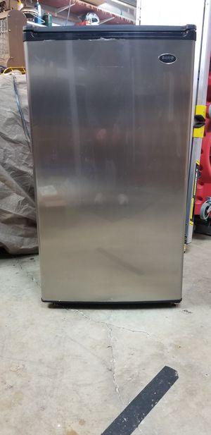 Sanyo Mini Refrigerator for Sale in Renton, WA