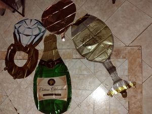 4PC Wedding/Engagement/Anniversary Foil Balloons for Sale in Fort Bliss, TX