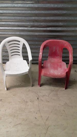 Kids plasti chairs for Sale in Miami, FL