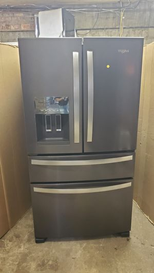 Open box 36 inches wide refrigerator bottom freezer very clean in great working conditions 90 days warranty included for Sale in Brooklyn Park, MD