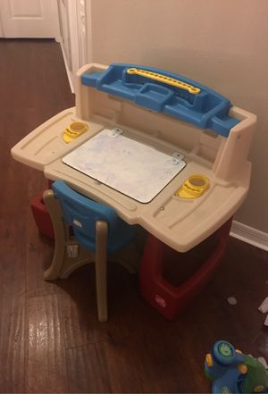 Step 2 delux art master kids desk and chair for Sale in Alafaya, FL