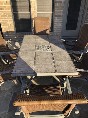 Very Nice Elegant Outdoors Patio Table And Wicker Chairs for Sale in Sachse, TX