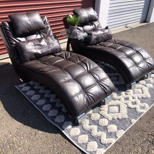 Set of 2 Coaster lounge chaise brown leather retail $800 for Sale in San Diego, CA