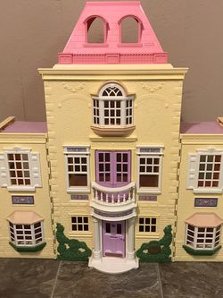Fisher Price Loving Family Twin Time Doll House 2005 for Sale in Vancouver,  WA