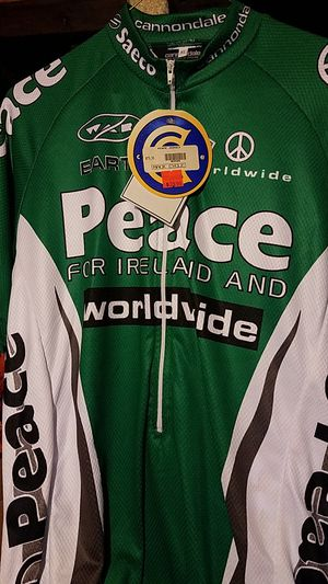 Cannondale bike shirt for Sale in Frenchtown, NJ