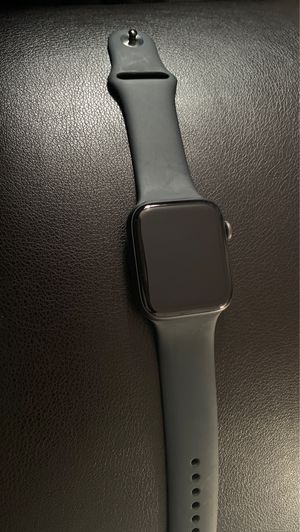 Apple Watch series 5/44mm gps comes with the box for Sale in Columbus, OH