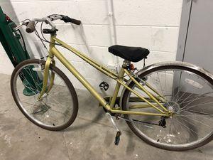 Schwinn city bike. I never use it. for Sale in Chicago, IL