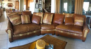 LEATHER COUCH FOR SALE!!!(SECTIONAL) for Sale in Phoenix, AZ