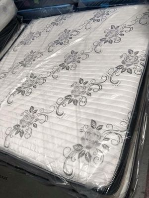 Deluxe brand mattress king size set for Sale in Costa Mesa, CA