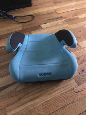 Free Booster seat for Sale in Everett, WA