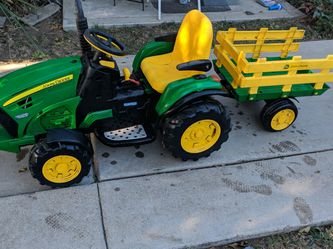 John Deere Kid Tractor for Sale in Sylmar,  CA