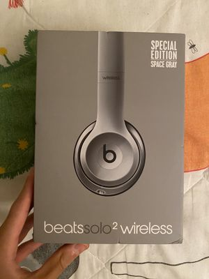 Beats Solo 2 wireless Special Edition Grey for Sale in Westbury, NY