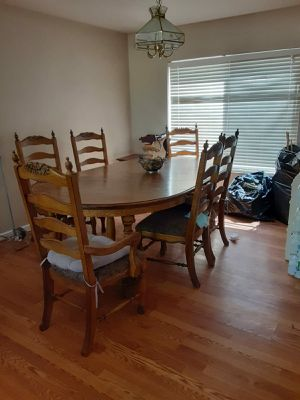Dining Table and chairs for Sale in Gilbert, AZ