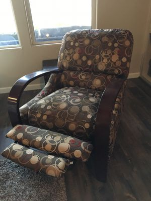 Recliner accent chair for Sale in Clovis, CA