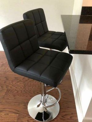 Set of 2 chair bar stools new in box for Sale in San Francisco, CA
