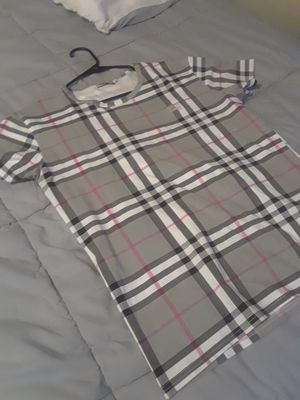 Burberry shirt for Sale in Plano, TX