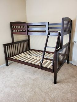Like NEW Riley Twin Over Full Bunkbed for Sale in Norcross,  GA