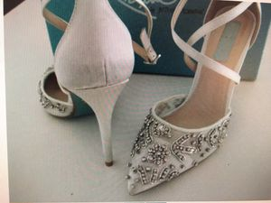 """Glitzy Shoes - Wedding Shoes- Size 8 - 4"""" Heel for Sale in Winter Haven, FL"""